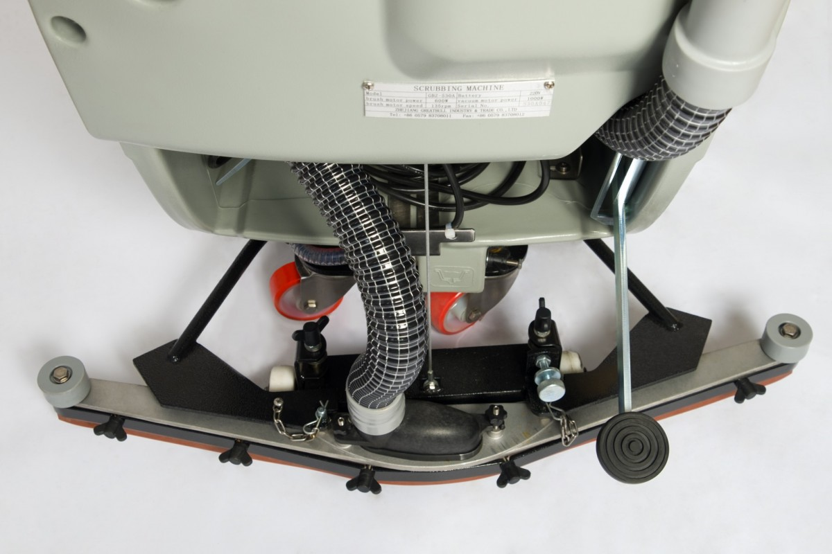 Аккумуляторная поломоечная машина с приводом KEDI GBZ-520BT
