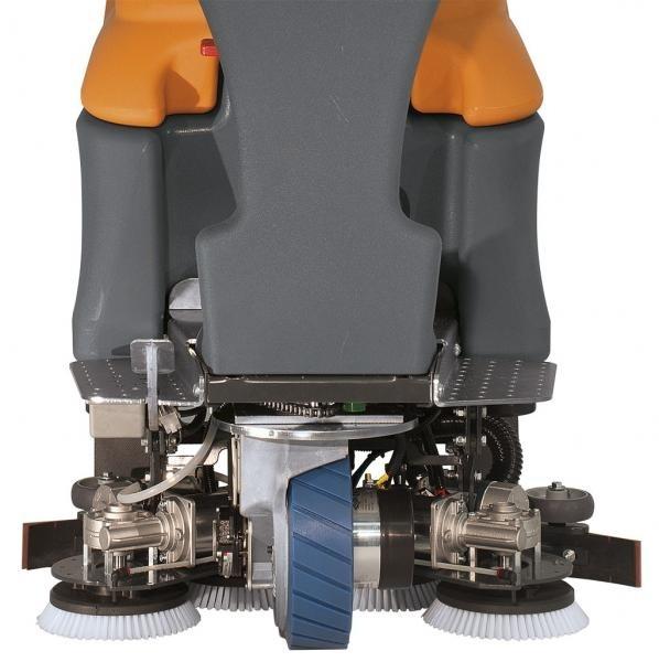 Поломоечная машина TSM GRANDE BRIO RIDE ON 75-800 (аккумуляторная)